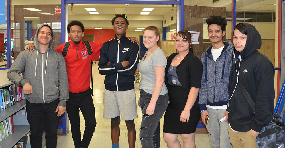 The Fed scholars at Lincoln-West High School in Cleveland, Ohio, to preview their book Somewhere in Cleveland. Photo courtesy of Michael Galka, Federal Reserve Bank of Cleveland.​